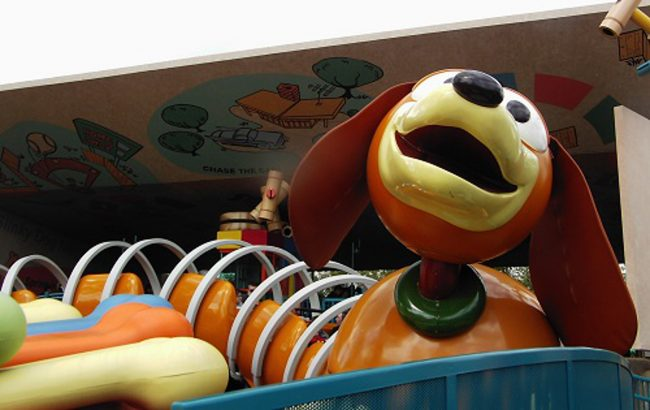 Slinky Dog Dash vehicle. Photo credit: J Marsh via Flickr, Creative Commons Attribution 2.0 Generic (CC BY 2.0)