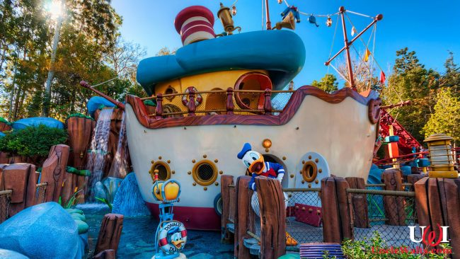 Donald's Boat at Disneyland. Photo by Tours Departing Daily [CC BY-NC-ND 2.0] via Flikr.