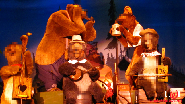 New Country Bears show. Photo by Loren Javier [CC BY-ND 2.0] via Flickr.