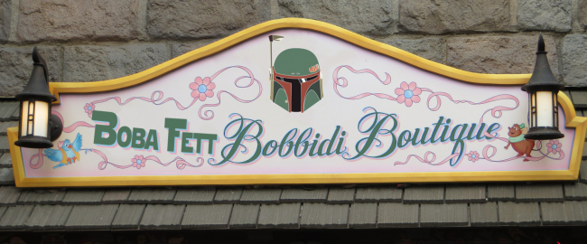 Disney's new Boba Fett Bobbidi Boutique. Image by Ken Lund [CC BY-SA 2.0] via Flickr, modified.