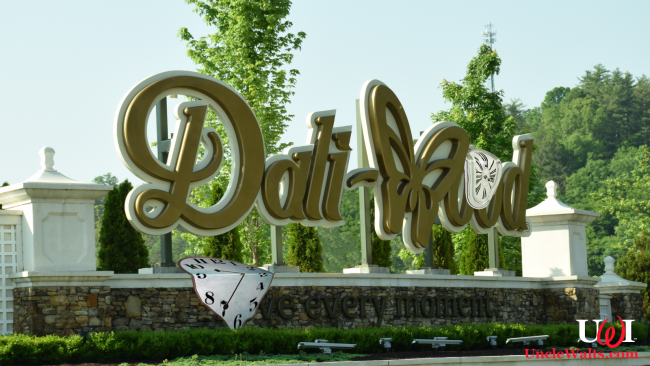 Dollywood becomes Dali-wood. Photo by Todd Van Hoosear [CC BY-SA 2.0] via Flickr.