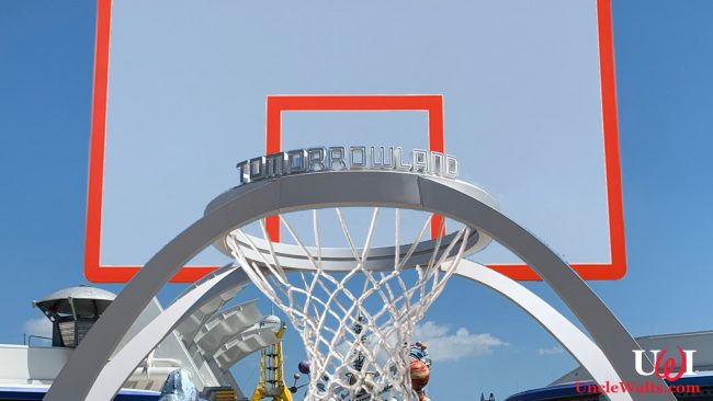Nothing but net! And a backboard. And the new Tomorrowland sign. Photo by wdwnt.com.