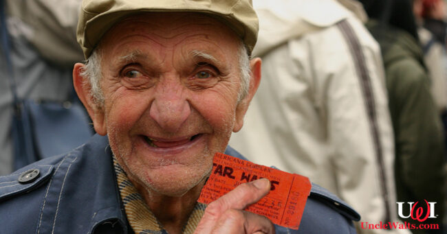 Clarence Farley, 102, the last surviving person to have seen Star Wars in a theater in 1977. Photo by Marg [CC BY 2.0] via Wikimedia, modified.